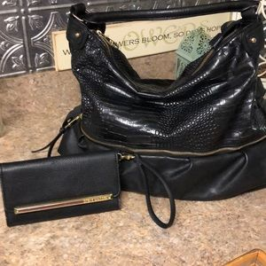 SPECIAL!!Steve Madden Handbag and Wallet set
